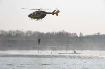 Plusieurs hélicoptères ont participé aux hélitreuillages dont la Sécurité civile et la Marine nationale