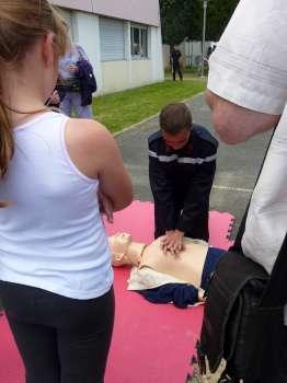 Stand d'apprentissage aux gestes de premiers secours