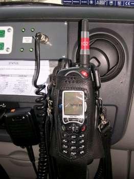 Radio portative d'un véhicule de secours et d'assistance à victime